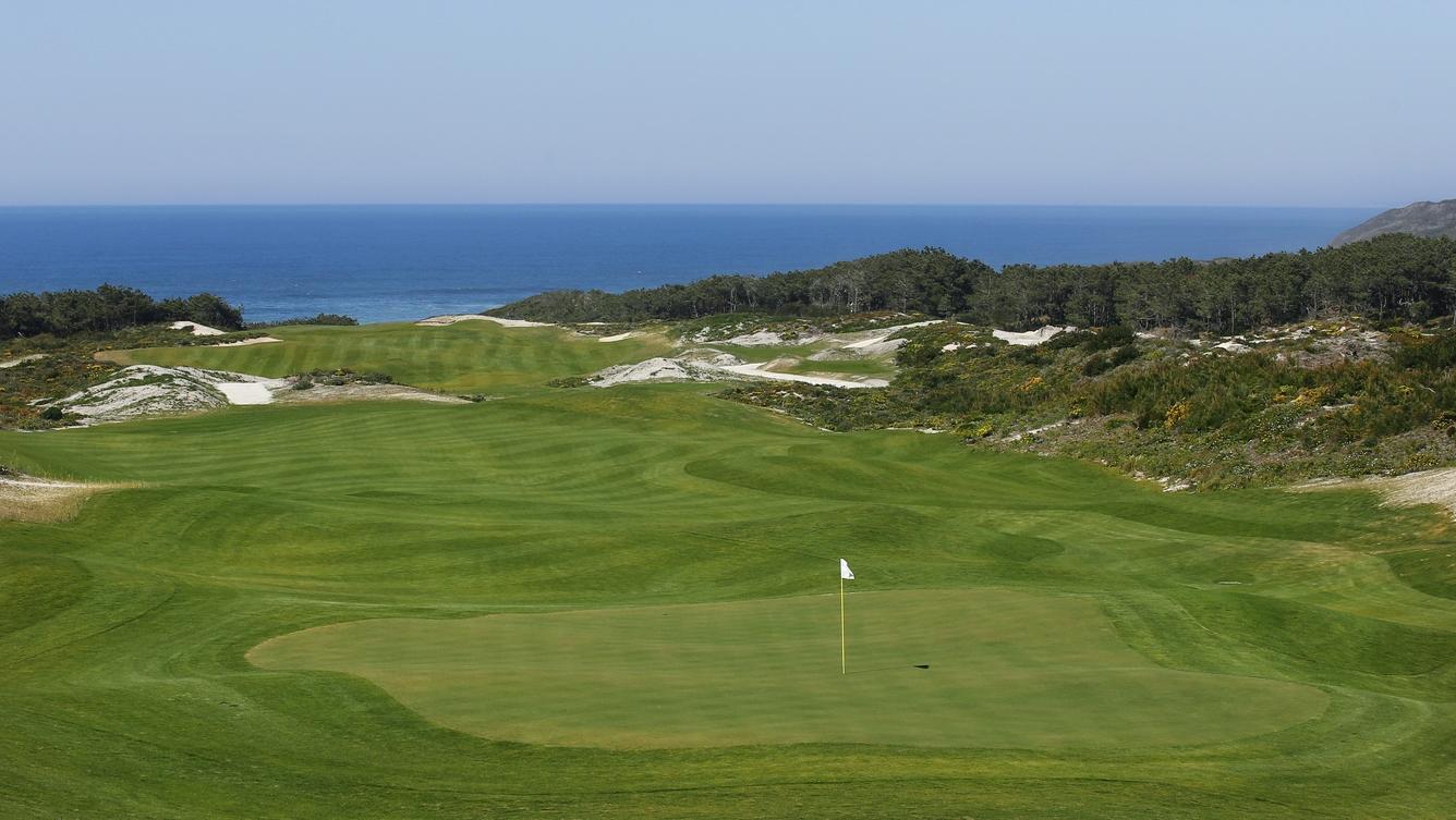 Portugal eleito o melhor destino de golfe do Mundo pelo quarto ano consecutivo. Melhor campo de golfe Mundial também se encontra no nosso país.