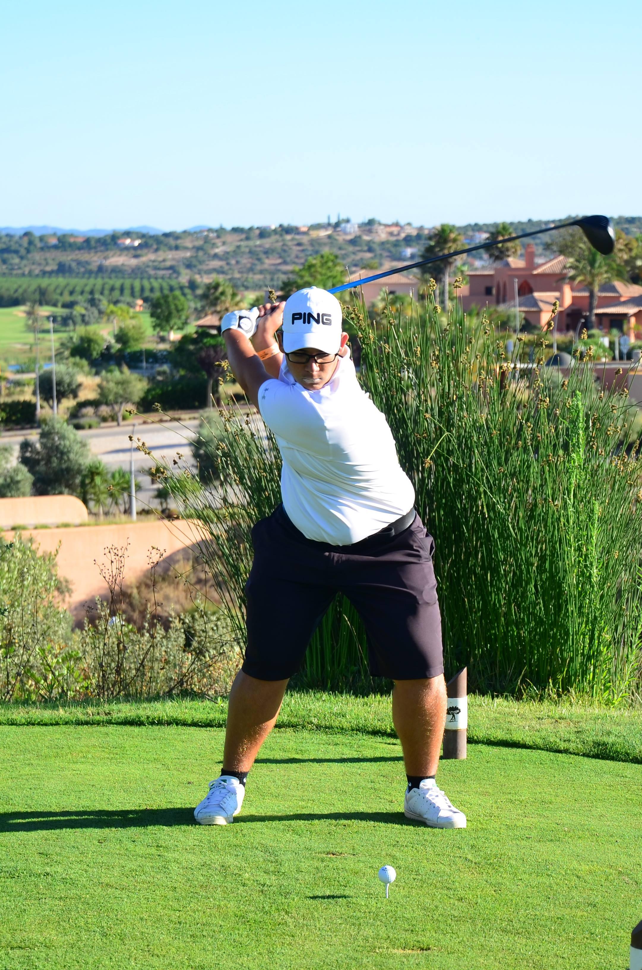 Oceânico World Kids Golf  MARTIM BATISTA VENCE NOS SUB-18 E JOGA COM OS 'PROS'