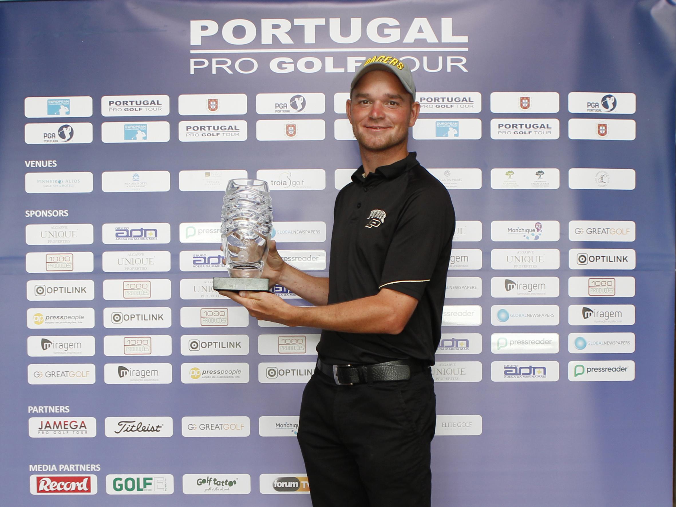 Tour Championship em Troia – DALE WHITNELL REPETE HISTÓRIA TIAGO CRUZ O MELHOR PORTUGUÊS